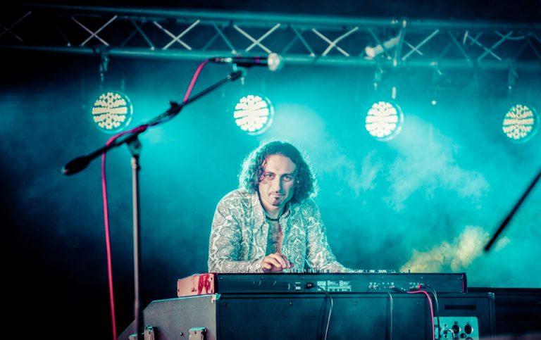 Simon Rinaldo – Keyboards